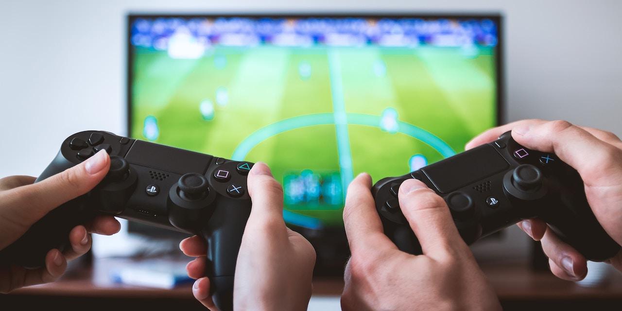 Reunión para jugar videojuegos con tus amigos