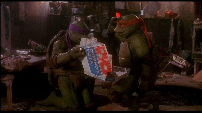 Domino's en las tortugas ninja, ejemplo de marcas en películas.